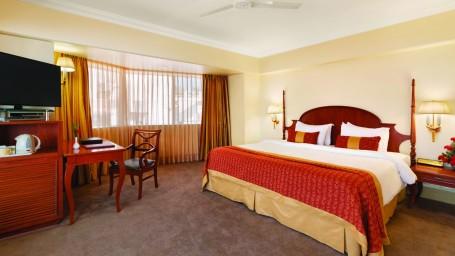 Executive Salon at Hotel Ramada Plaza Palm Grove Juhu Beach Mumbai, Hotel rooms near Juhu Mumbai