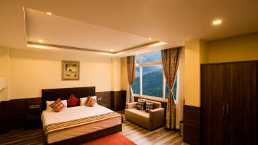 Central Hotels  executive club room2