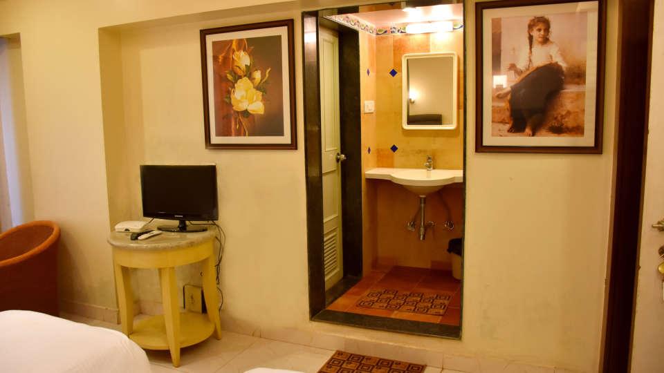 Deluxe Rooms at Kohinoor Highway - Dapoli Maharashtra 1