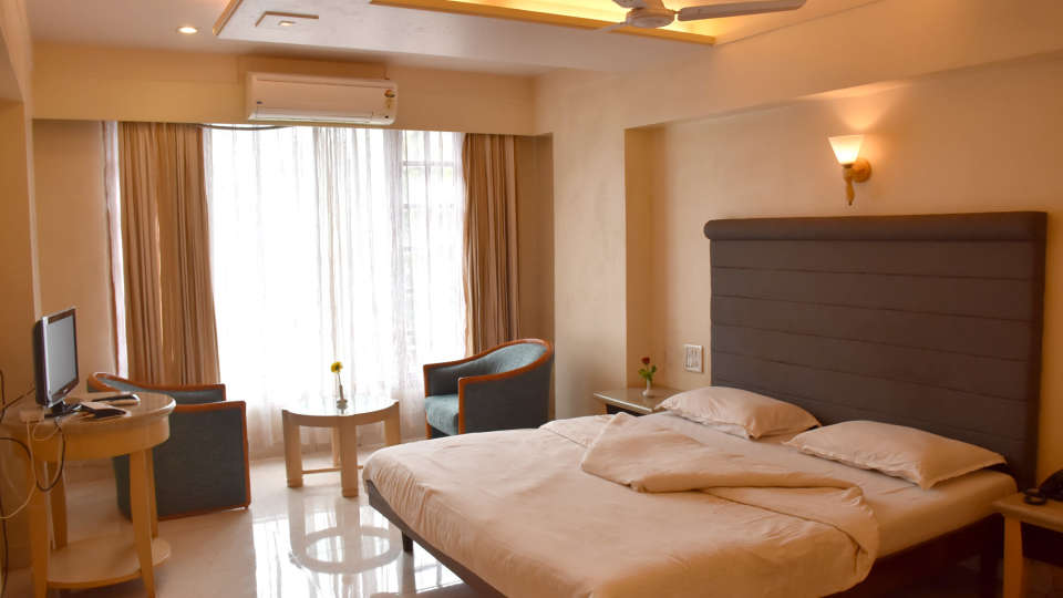 Deluxe Rooms at Kohinoor Highway - Dapoli Maharashtra 3