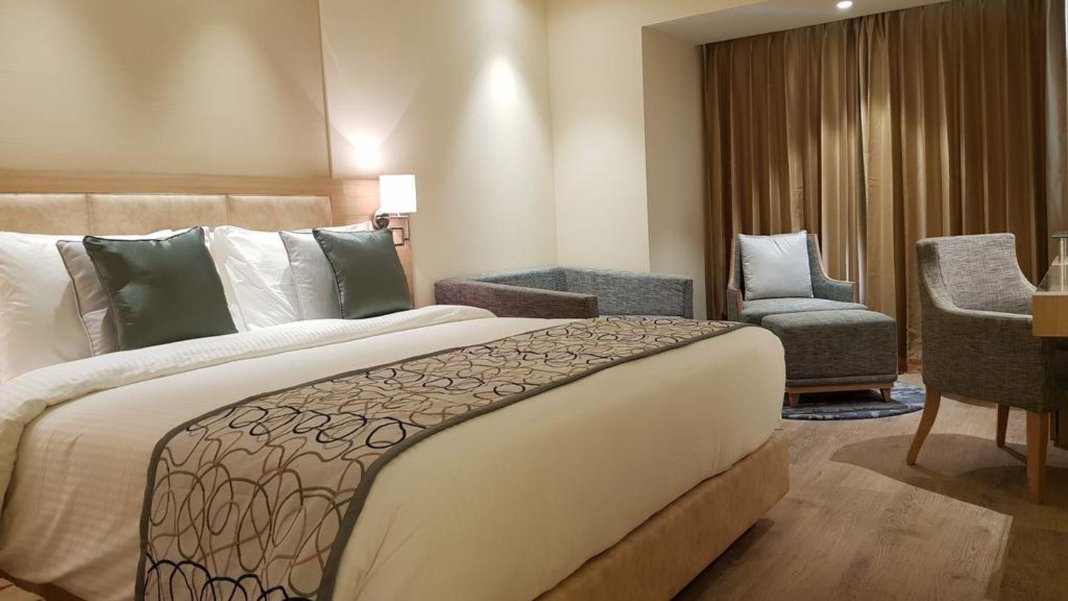 Room Singhania Sarovar Portico Raipur 3