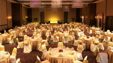 destination wedding in Mumbai, The Retreat Hotel and Convention Centre Madh Island Mumbai 11