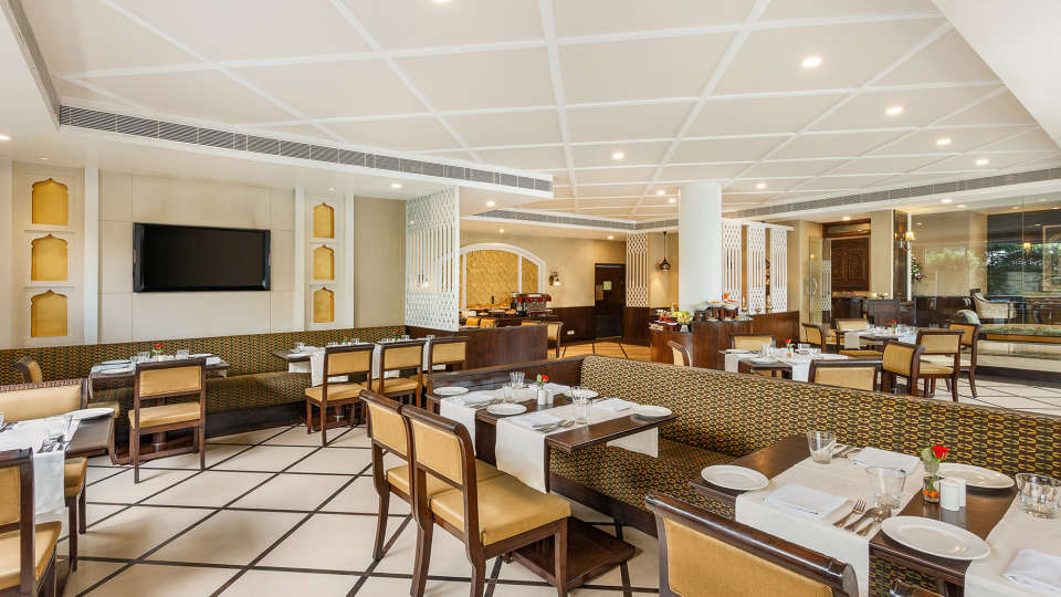 Pavillion Restaurant at La Place Sarovar Portico Lucknow, best resorts in lucknow 2