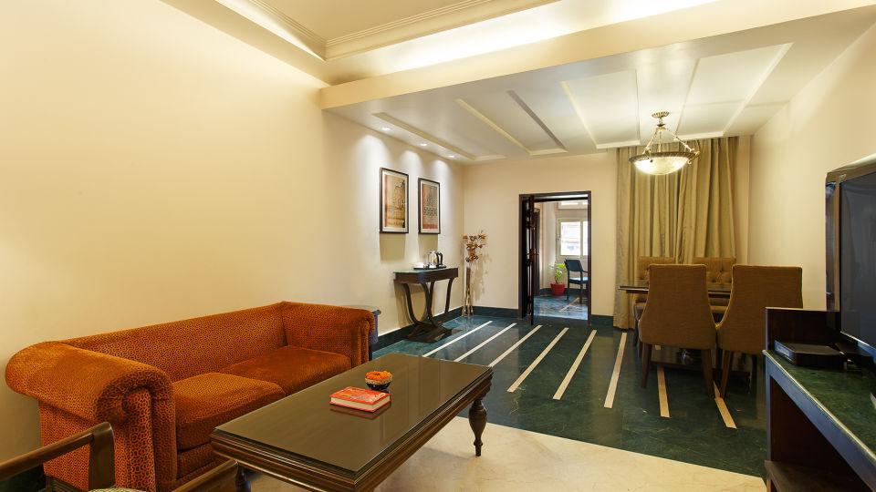 Living room Ganga Lahari Hotel, hotel near haridwar railway station
