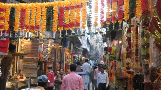 chandni-chowk-market-in-delhi-on-mirchi-travels