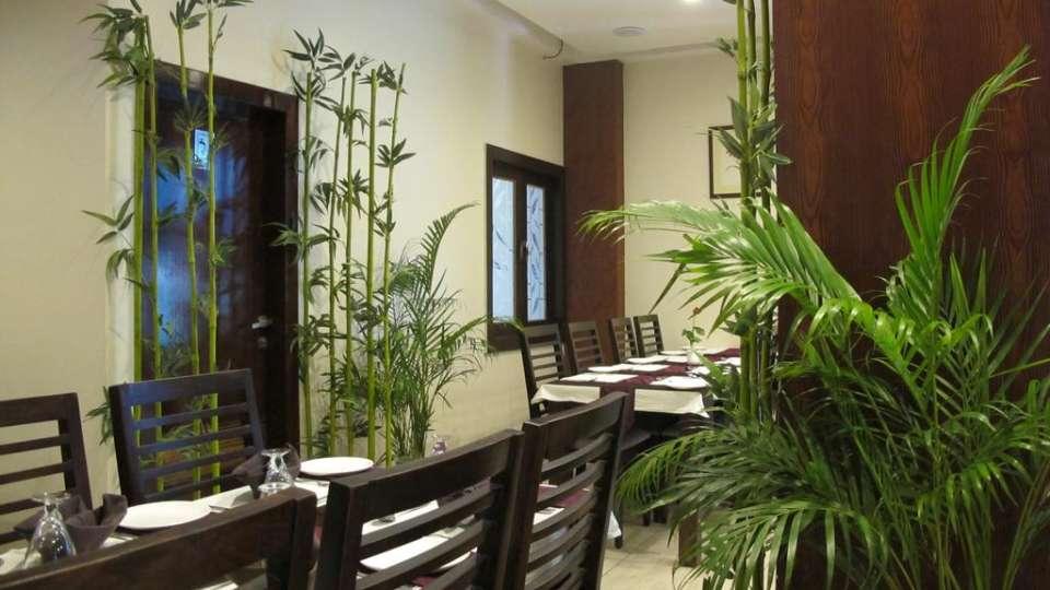 Aroma TGI Apple Inn Jaipur 1