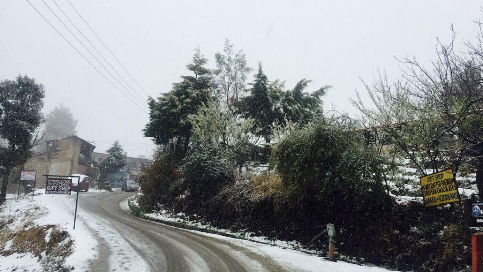 Ojaswi Himalayan Resort, Mukteshwar Nainital Snowfall time Ojaswi Himalayan Resort Mukteshwar 10