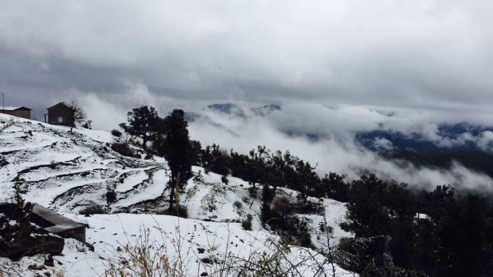 Ojaswi Himalayan Resort, Mukteshwar Nainital Snowfall time Ojaswi Himalayan Resort Mukteshwar 13