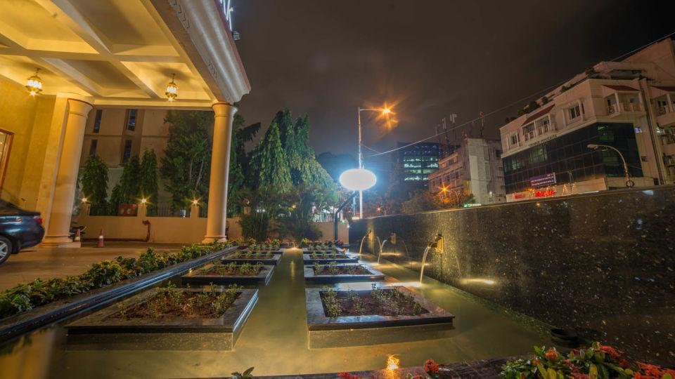 Raj Park Hotel - Chennai Chennai Porch Raj Park Hotel Alwarpet Chennai 1