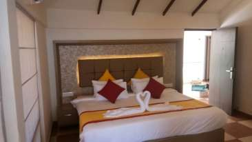 Renai Kappad Beach Resort Twin Bed Premium Room 5