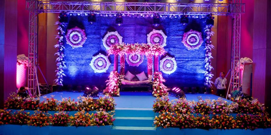 alt-text Customized Decoration of an event at Narayani Heights, best banquets in ahmedabad 1