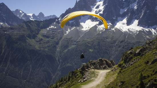 LaRisa Mountain Resort Manali Paragliding in Solang Valley - Things to do in Manali
