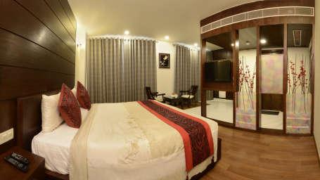 Hotel Atulyaa Taj, Agra Agra Super Deluxe Room Hotel Atulyaa Taj Agra 3
