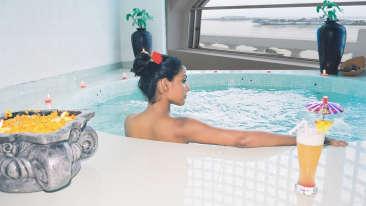 Jacuzzi at Floatel Kolkata, Hotel Facilities in Kolkata, Hotels in Kolkata 1