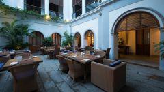 Thumbnail courtyard restaurant