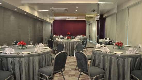 Banquet Conference Sarovar Portico Rajkot 4