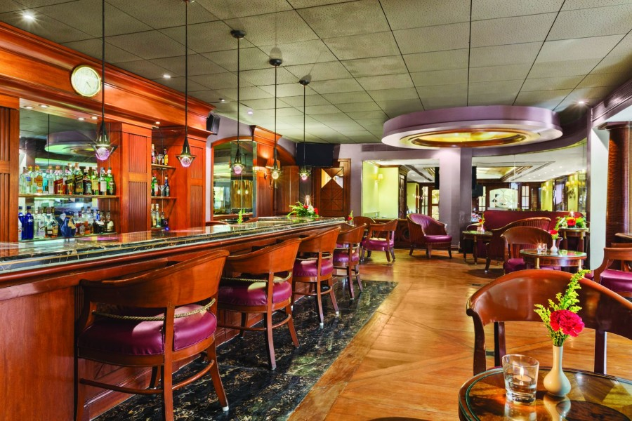 alt-text Bar at Hotel Ramada Plaza Palm Grove Juhu Beach Mumbai, Best Bars in Juhu Mumbai