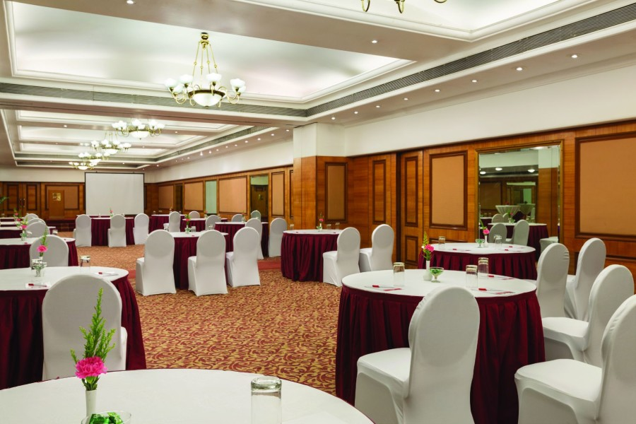 alt-text Concord Banquet Hall at Hotel Ramada Plaza Palm Grove Juhu Beach Mumbai, 5 Star Banquets in Juhu Mumbai