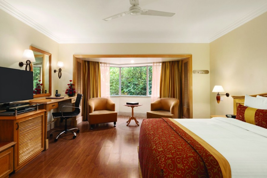 alt-text Deluxe Room at Hotel Ramada Plaza Palm Grove Juhu Beach Mumbai, 5 star hotel rooms in Mumbai
