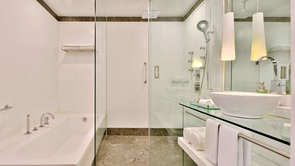 Bathroom at Radisson Blu - Bengaluru Outer Ring Road 4