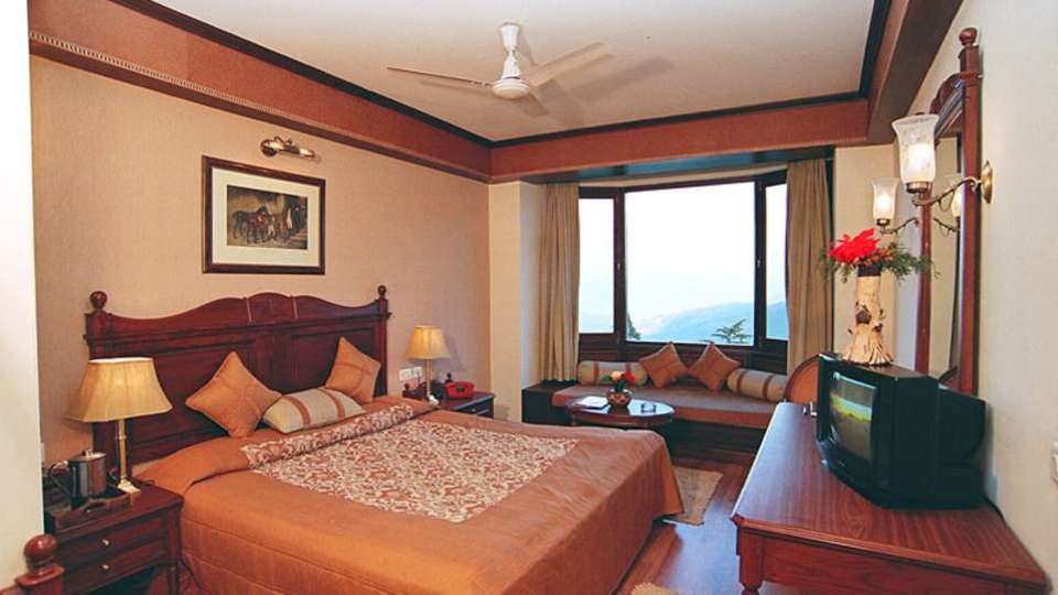 Sun n Snow Inn Hotel Kausani Kausani Deluxe Room With Himalyan View Sun n Snow Inn Hotel Kausani Resorts in Uttarakhand 1
