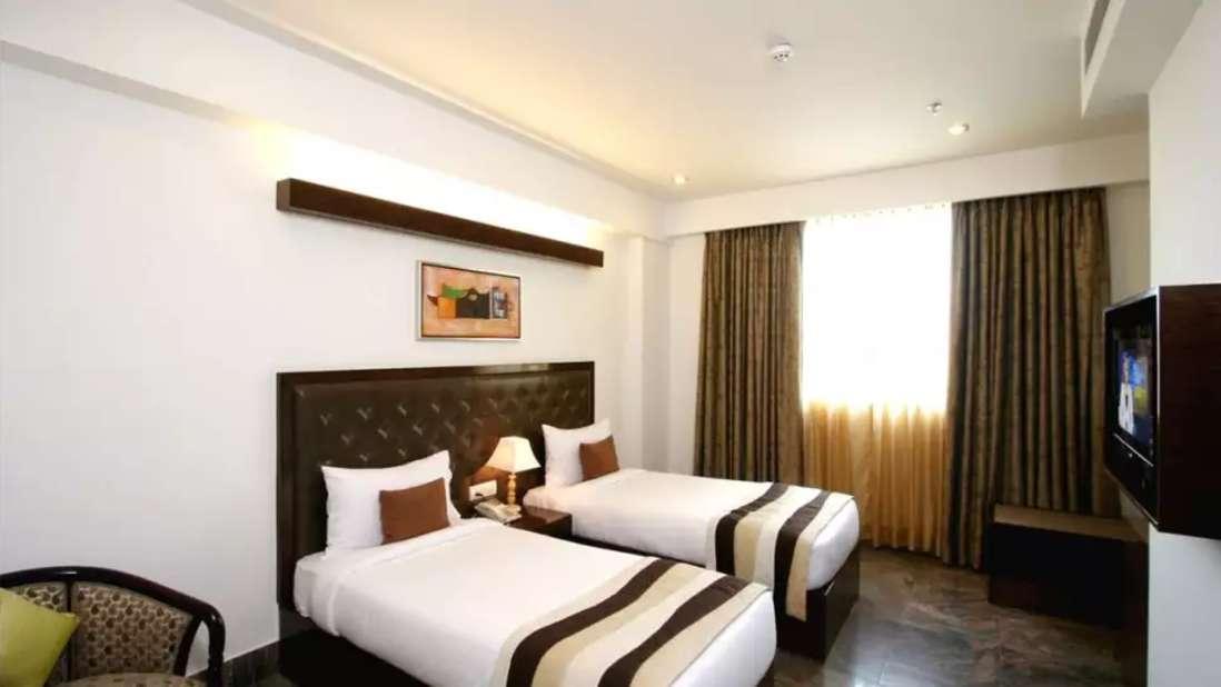 Double Room Taurus Sarovar Portico New Delhi cgeimu