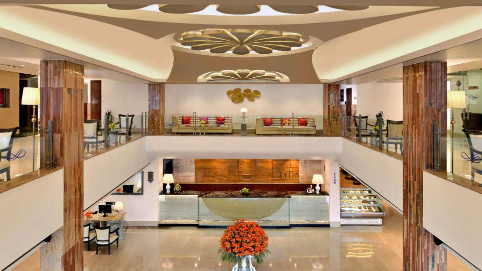 Lounge 1 Taurus Sarovar Portico IGI Delhi