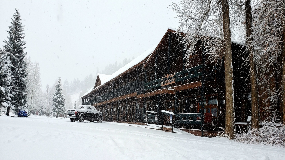 High Country Lodge and Cabins, Colorado, Hotel near Wolf Creek 11