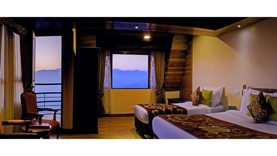 Delxue Triple Rooms in Darjeeling at Summit Hermon Hotels in Darjeeling 3