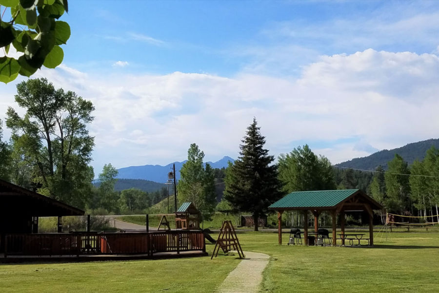 alt-text High Country Lodge and Cabins, Colorado, Hotel near Wolf Creek 12