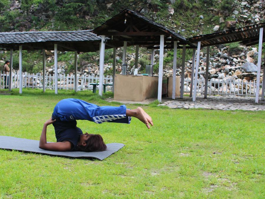alt-text Let s Camp Tirthan activity yoga