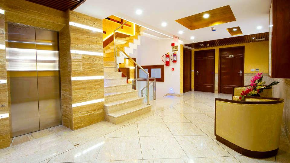 Hotel Swaran Palace, Karol Bagh, New Delhi New Delhi floor lobby Hotel Swaran Palace Karol Bagh New Delhi