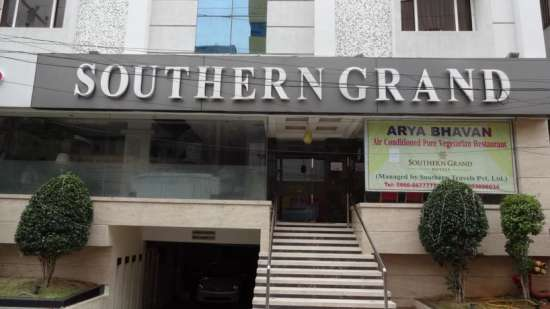 Hotel Southern Grand  34426630