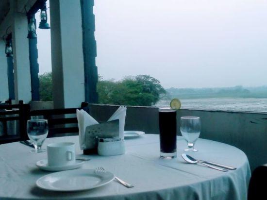 Polo Lake Resort  Neermahal  Resort in Melaghar  Dining