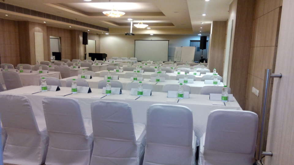 Banquet Hall Sarovar Portico Naraina New Delhi 3