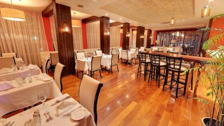 Rojo Restaurant  Spanish Court Hotel  Kingston