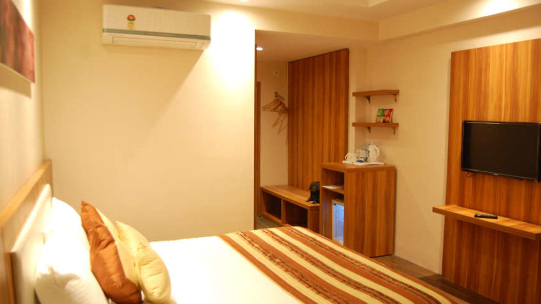 Le ROI Raipur Hotel Raipur Deluxe Room at Le ROI Raipur Hotel
