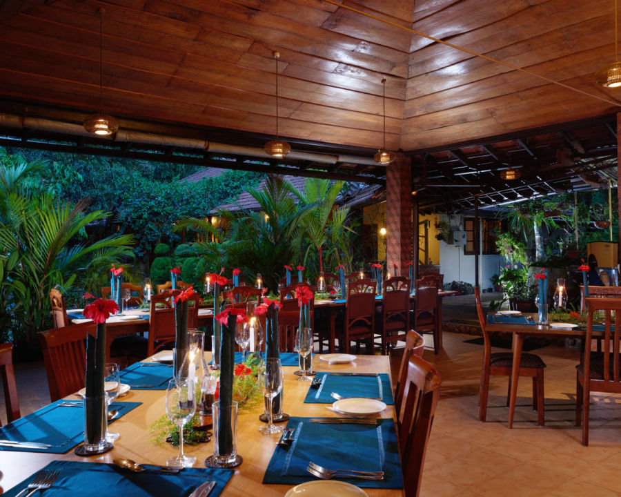 alt-text Dining at Tranquil Resort Wayanad flwseh