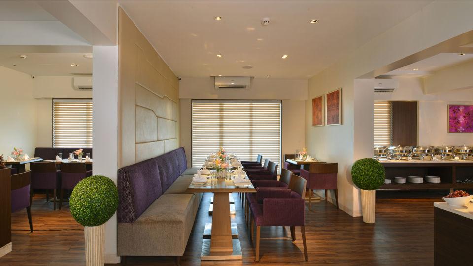Tea Lounge at Residency Sarovar Portico Mumbai 1