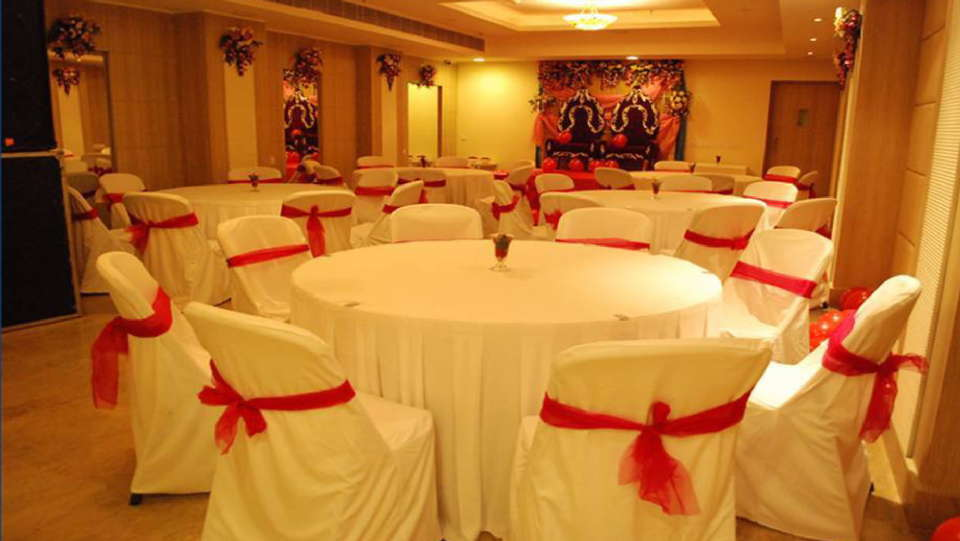 Banquet Hall at Hotel Sarovar Portico Naraina New Delhi 4