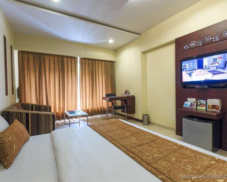 alt-text VITS Shalimar Hotel, Ankleshwar Ankleshwar Double Classic VITS Shalimar Hotel Ankleshwar 3