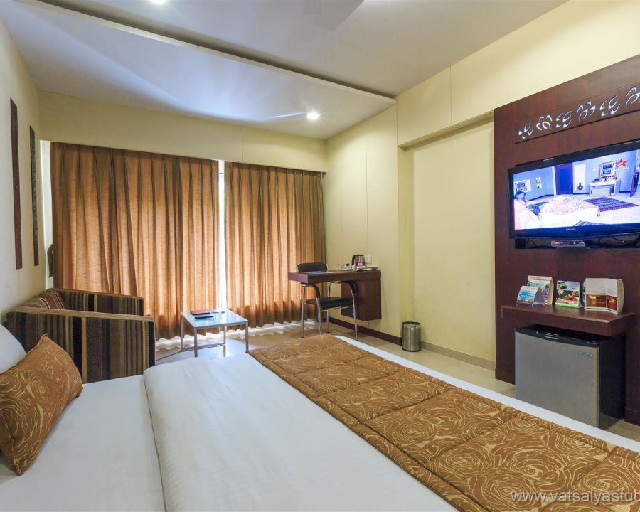 alt-text Business hotel in Ankleshwar, rooms in Ankleshwar,  Restaurants in Ankleshwar, Seminar halls in Gujarat, Wedding venues in Ankleshwar, GujaratVITS Shalimar Hotel, Ankleshwar Ankleshwar Double Classic VITS Shalimar Hotel Ankleshwar 3