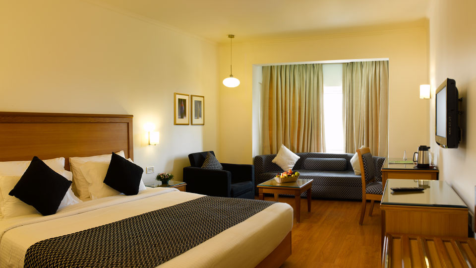Suite at Abad Plaza at Hotel Rooms in Kochi 2