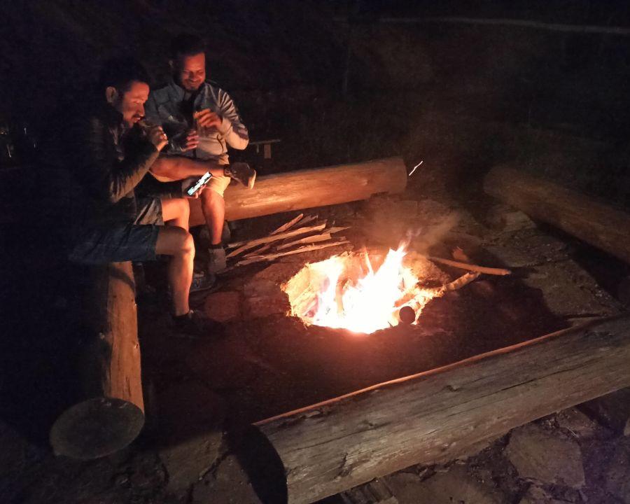alt-text Let s Camp Sitlakhet campfire 2