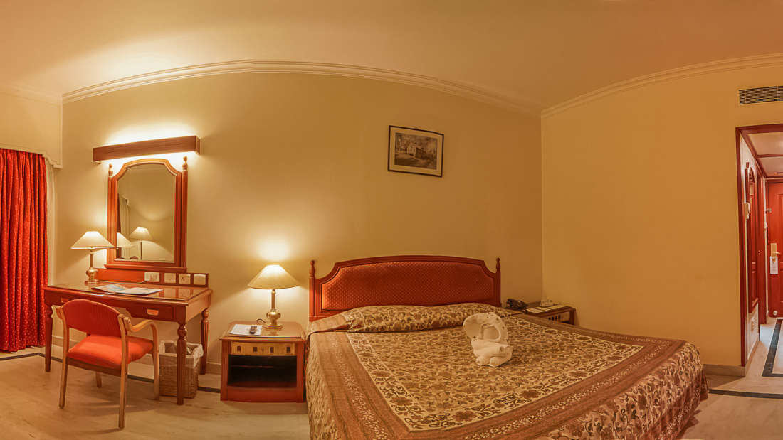 Hotel Annamalai International, Pondicherry Pondicherry Standard Room - King Bed Hotel Annamalai International Pondicherry 2