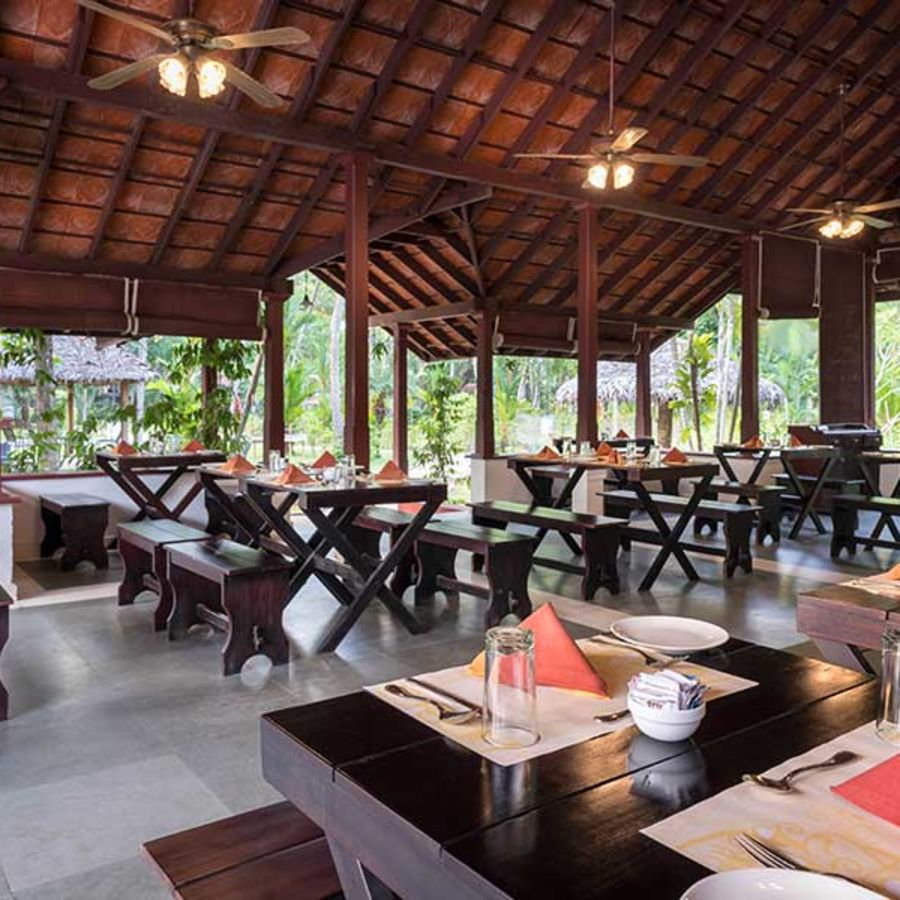 alt-text abad-turtle-open-hall-restaurant-view, Contact Beach Resort in Marari, Beach resorts in Allepey, 4 Star Resorts in Alleppey, Best Beach Resorts in Alleppey, Best Beach Resorts Near Cochin, Beach Resorts in Kerala