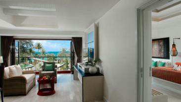 Guestroom-Deluxe Suite