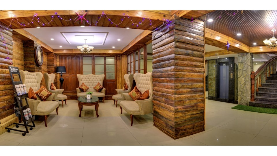 Lobby and Reception at Summit Hermon Hotel Spa Darjeeling 3