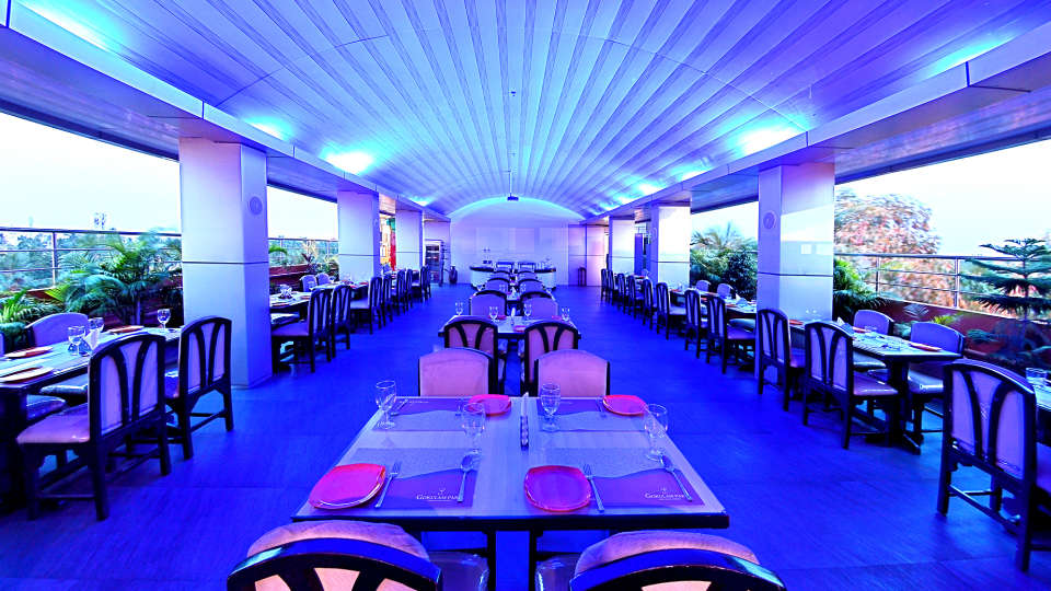 7th Heaven, Hotel Gokulam Park, Chennai, Rooftop Restaurant In Chennai 11