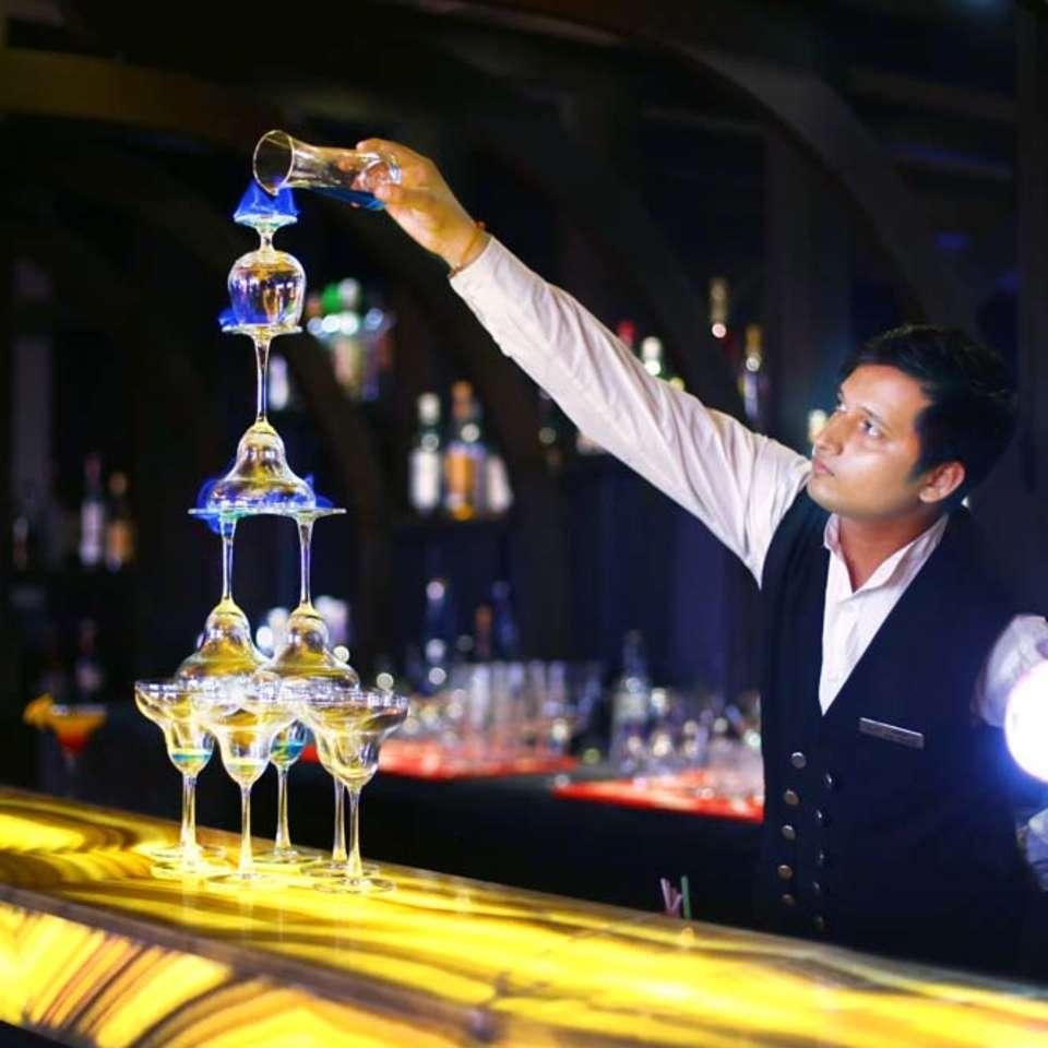 Shanghai Bar & Lounge, The Bristol Hotel Gurgaon, Evening In Gurgaon 3388